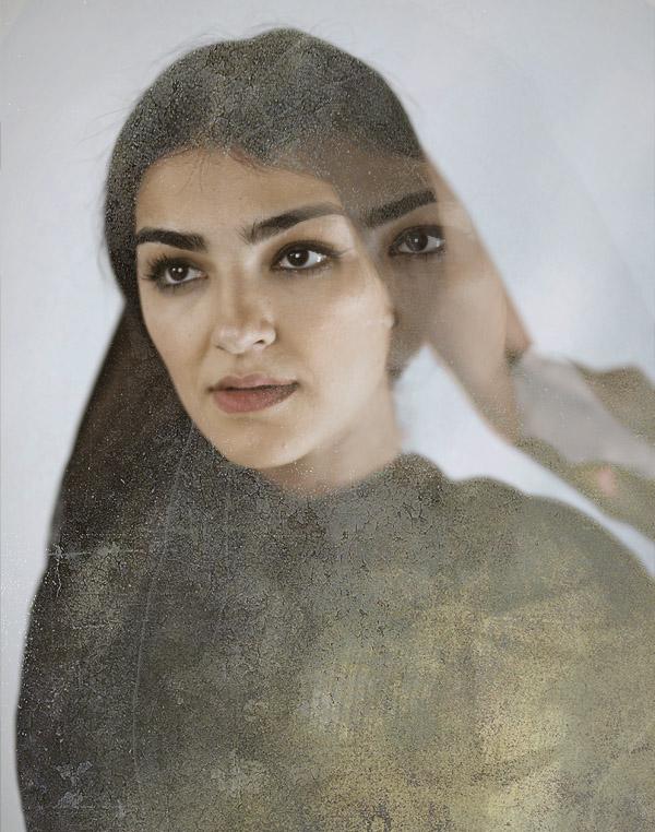 PERSIAN SECRETS, Aisan Hoss